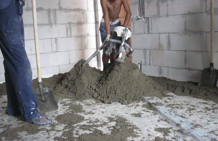 Как приготовить штукатурный раствор для стяжки пола